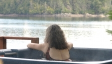 alaska_fishing_lodge_hottub