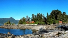 Talon Lodge at low tide from the adjoining island