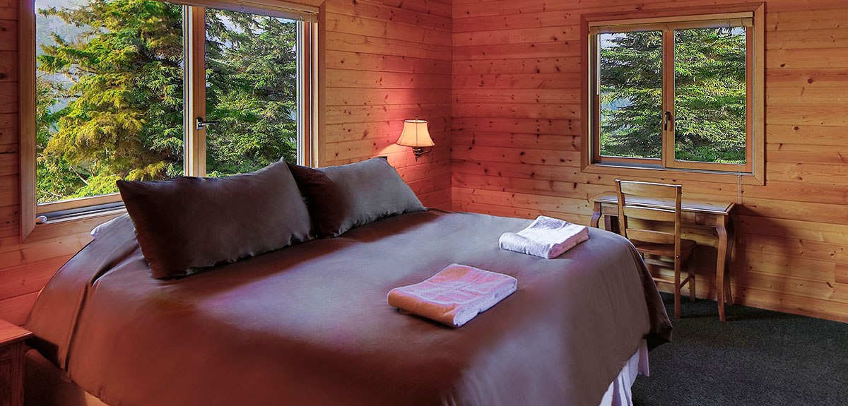 ACCOMMODATIONS-Rooms with King, Queen, Full and Twin Beds