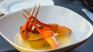 Crab Claws in Rich Butter, Garlic & Wine